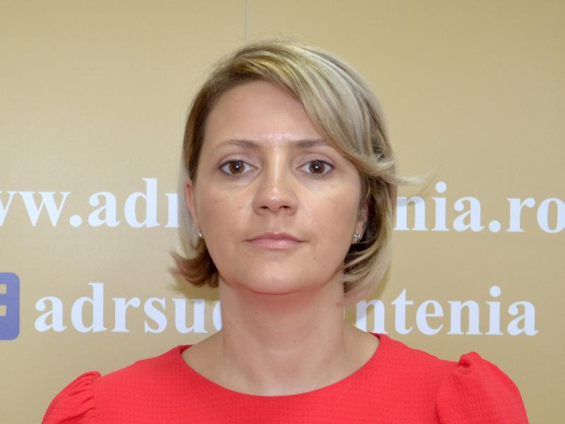 Adriana Bădoi, Expert