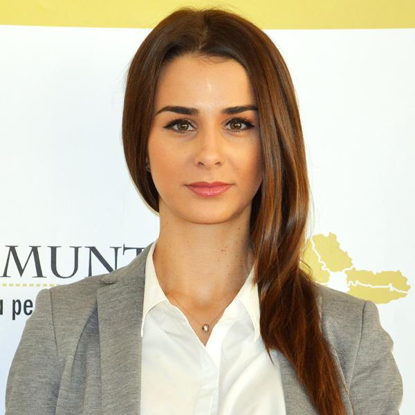 Alexandra Petcu, Expert