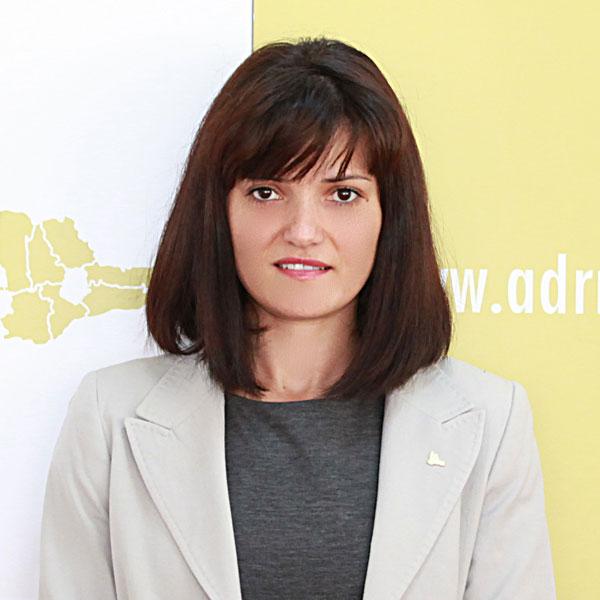 Consuela Laura Primaru, Expert