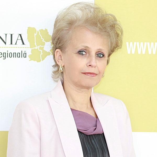 Daniela Enciu, Expert