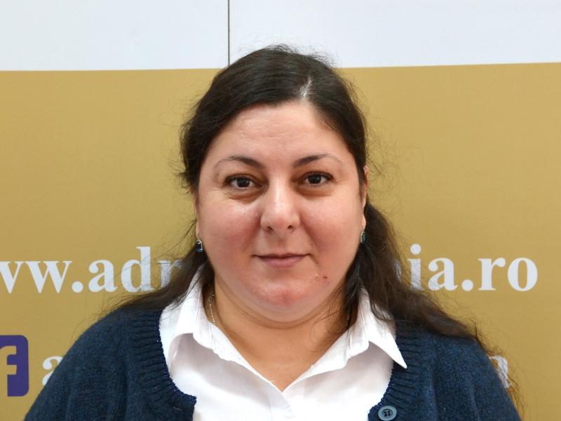 Gina Darie, Expert