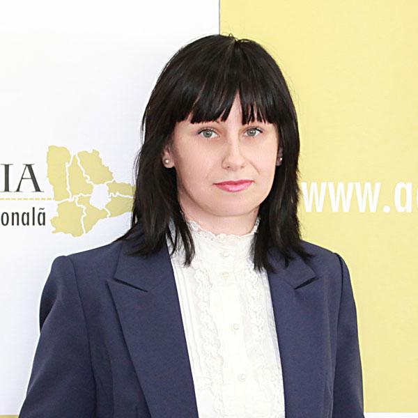 Mădălina Guruianu, Expert