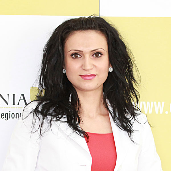 Nicoleta Topîrceanu, Expert
