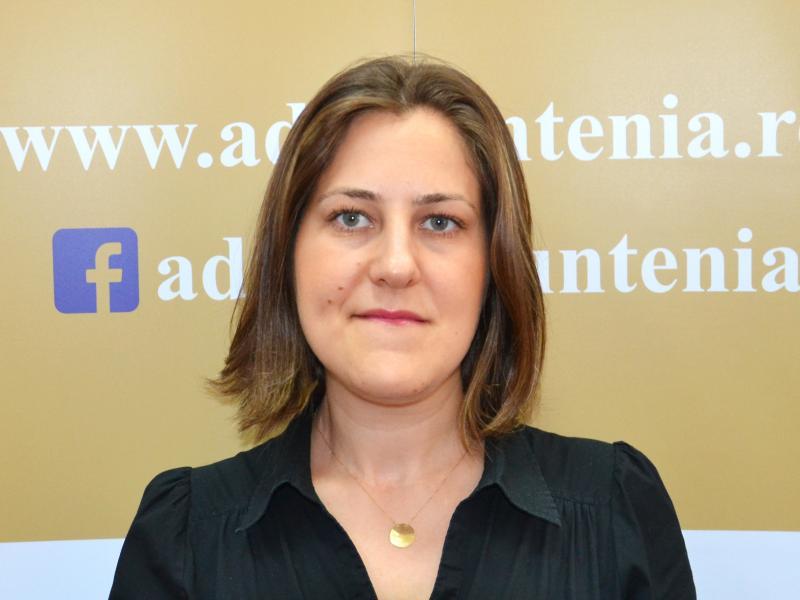 Nicoleta Valentina Radu, Serviciul Administrativ