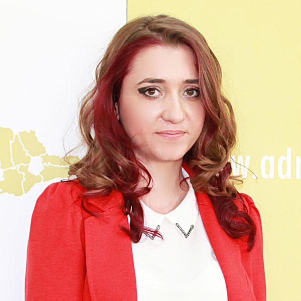 Ruxandra Geambazi, Expert
