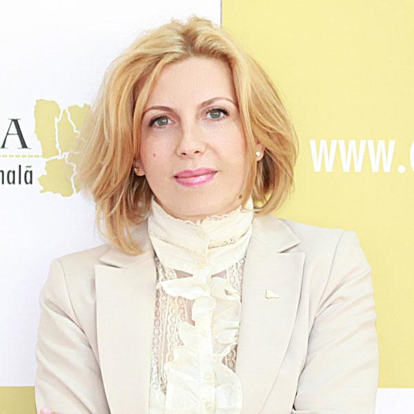 Carmen Dumitrașcu, Expert