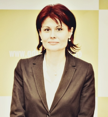 Daniela Nica, Expert