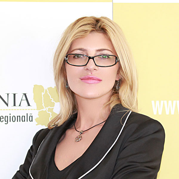 Daniela Traian, Director adjunct Dezvoltare și Comunicare