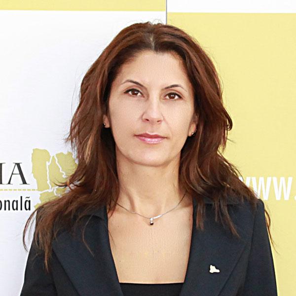 Ioana Dorina Vărășteanu, Expert