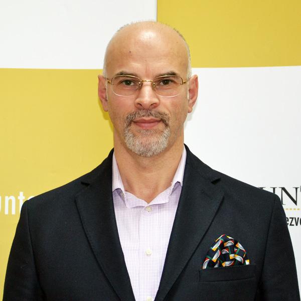 Marius Tănase, Expert
