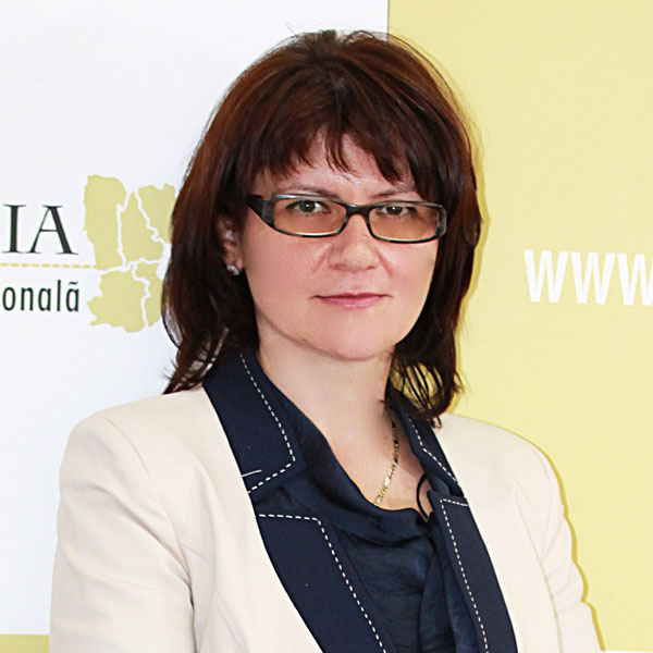 Mirela Tache, Director economic