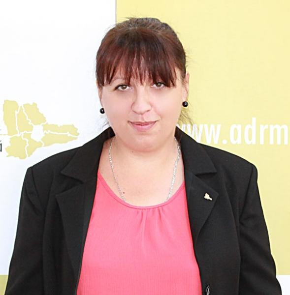 Mirela Tiberiu, Expert