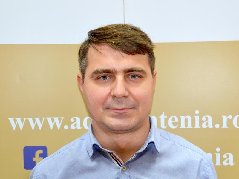 Ștefan Vilson Oacheșu, Expert