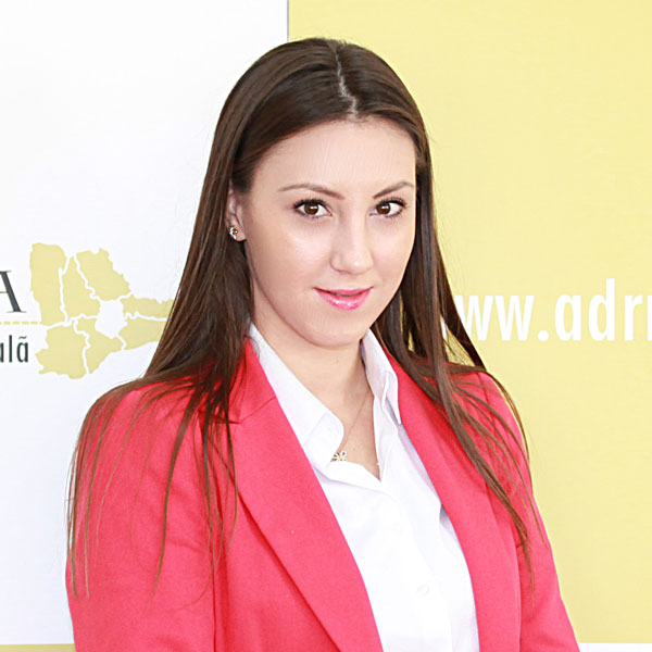 Violeta Neagu, Expert